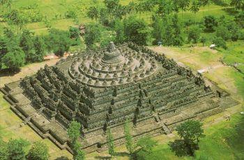 pirámide borobudur indonesia