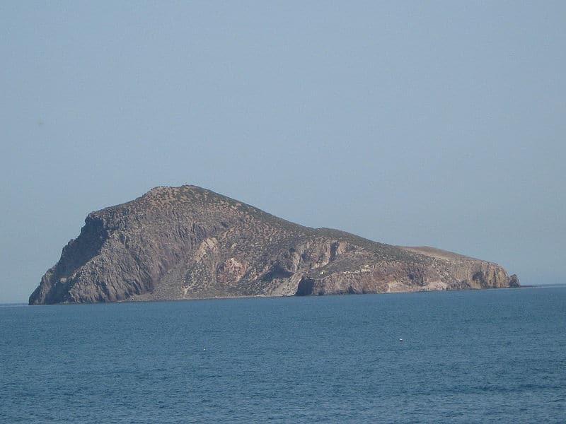 800px-Vista_de_la_isla_del_Congreso_desde_el_cabo_de_Agua
