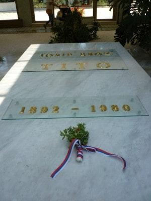 Tito tumba