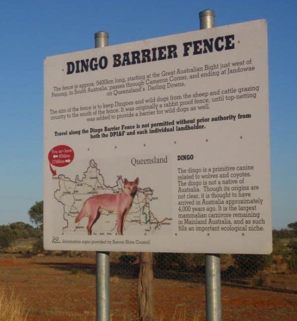 Cartel informativo Valla del Dingo