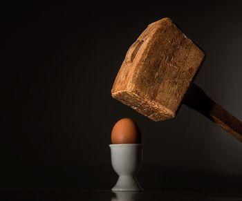 huevo y mazo